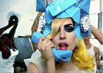 Lady Gaga met telefoon 150 pix